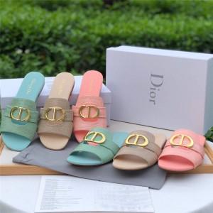 dior防伪码查询迪奥官网女士鳄鱼纹真皮CD字母扣30 MONTAIGNE 平底凉拖鞋