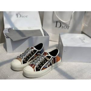 迪奥香港官网代购正品女鞋珠绣刺绣帆布WALK'N'DIOR 运动鞋