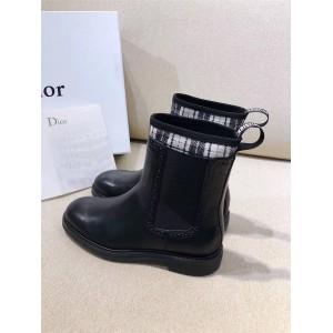 dior法国官网迪奥代购女靴Angelababy同款新款雕花牛津马丁靴短靴
