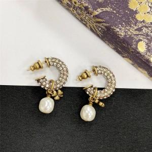 DIOR迪奥官网高仿奢侈品网三叶草吊珍珠满钻复古耳钉耳环