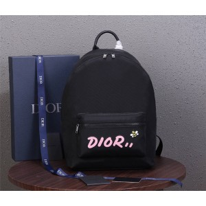 dior防伪码查询迪奥官网女士背包DIOR X KAWS尼龙蜜蜂双肩包