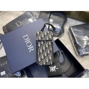 DIOR迪奥中文官网原单新款Oblique老花刺绣帆布拼皮手机包2OBBC117