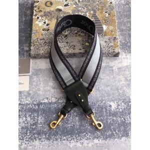 迪奥中文官网新款原单Christian Dior刺绣肩带S8540CBTE_M951