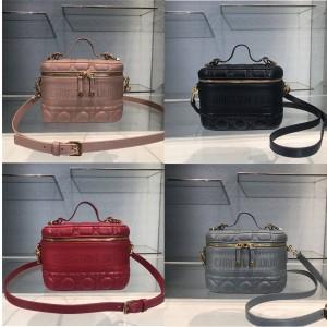 迪奥官网奢侈品代购网羊皮小号 DIORTRAVEL 手袋化妆包S5488