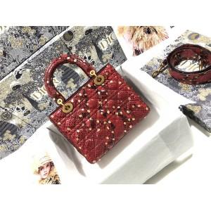 迪奥香港官网代购红色Lady Dior 五格蟒蛇皮戴妃包M0575