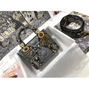 迪奥正品官网代购Lady Dior 三格蟒蛇皮戴妃包M0573