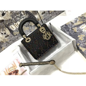 迪奥美国官网代购Lady Dior 三格刺绣黑色珠子戴妃包M0505